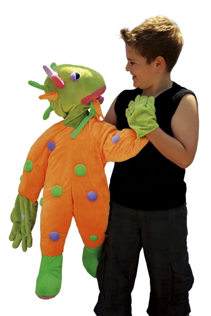 Handvertelpop Wibo met jongen